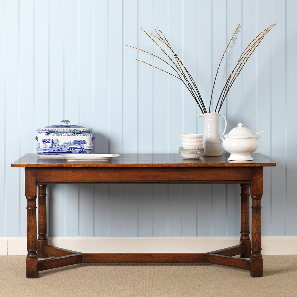 wooden serving style table