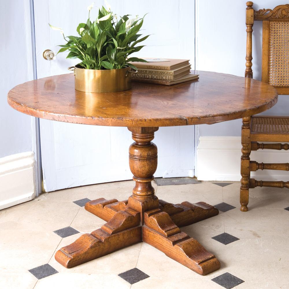 Round Oak Table