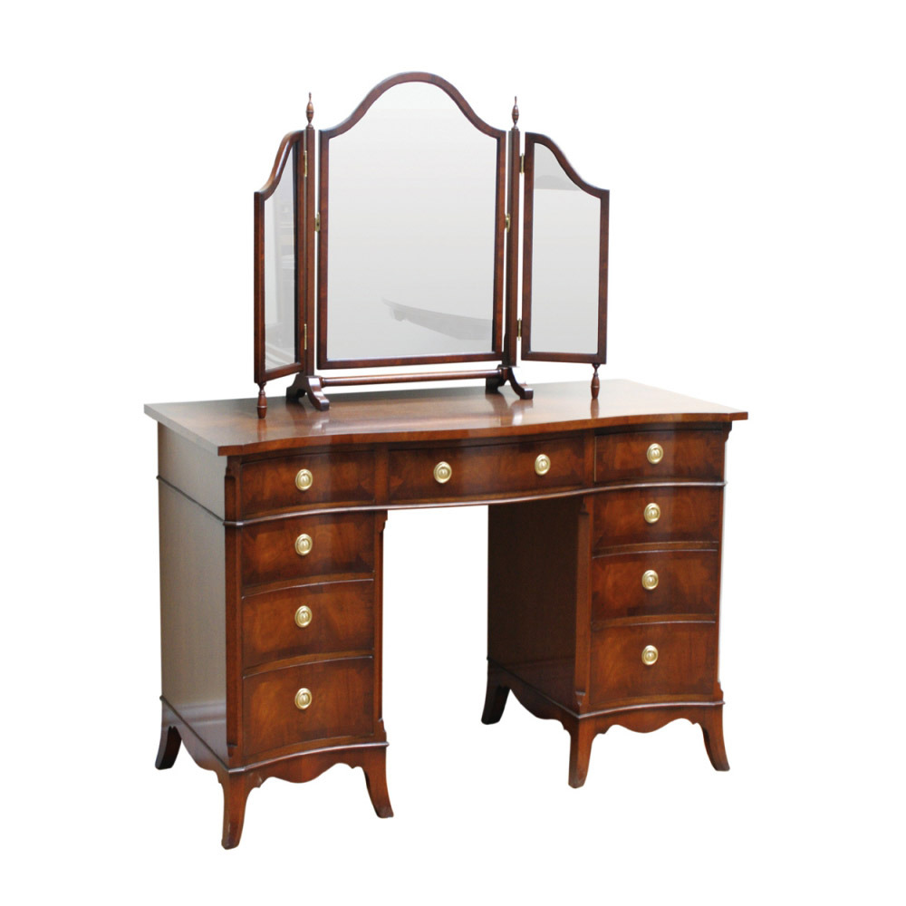 Mahogany Serpentine Dressing Table with freestanding Triple Mirror