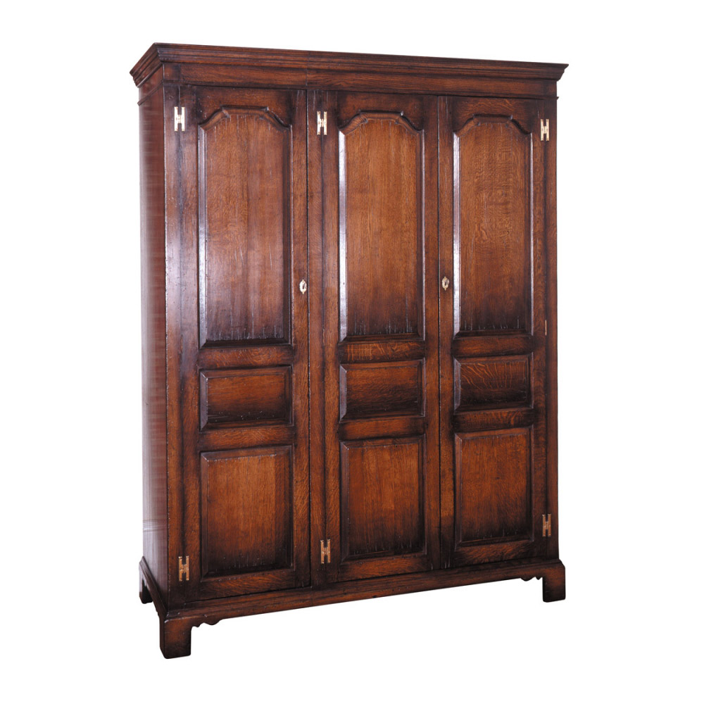 English Oak 3 Door Wardrobe