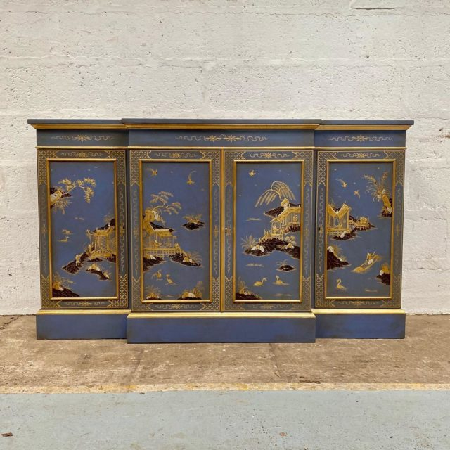 This beautifully handcrafted chinoiserie lacquer cabinet left the workshop last week and it is such a special piece.  . . . #titchmarshandgoodwin #handcraftedfurniture #handmadefurniture #customfurniture #bespoke #chinoiserie #madeinsuffolk