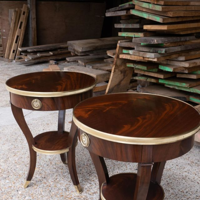 We are delighted to showcase this pair of Bespoke Mahogany Shaped Side Tables with press brass edge banding.  An excellent example of the pure craftsmanship we are proud to house at T+G