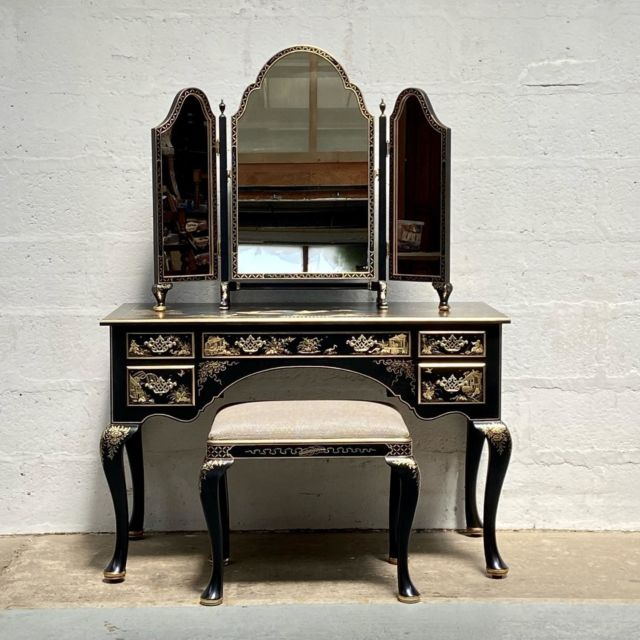 Showcasing this superb black lacquer dressing table with a beautiful triple mirror and stool to match.  All hand finished in gold leaf, a timeless dressing table to suit any distinguished home.
